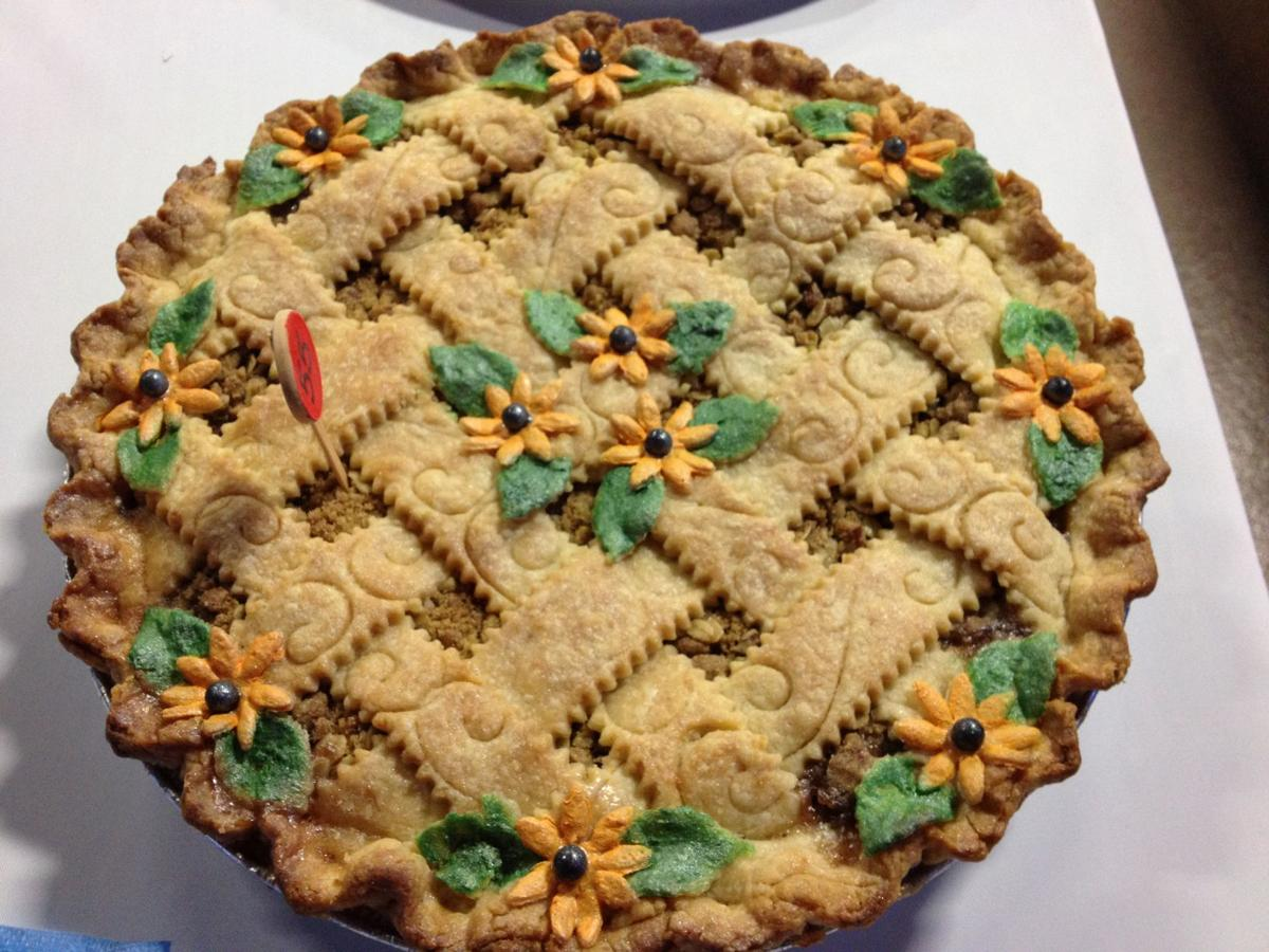 Farm show apple pie 2