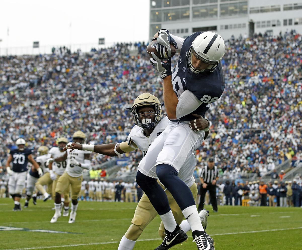 Barkley dazzles in Penn State's 52-0 win over Akron (copy)