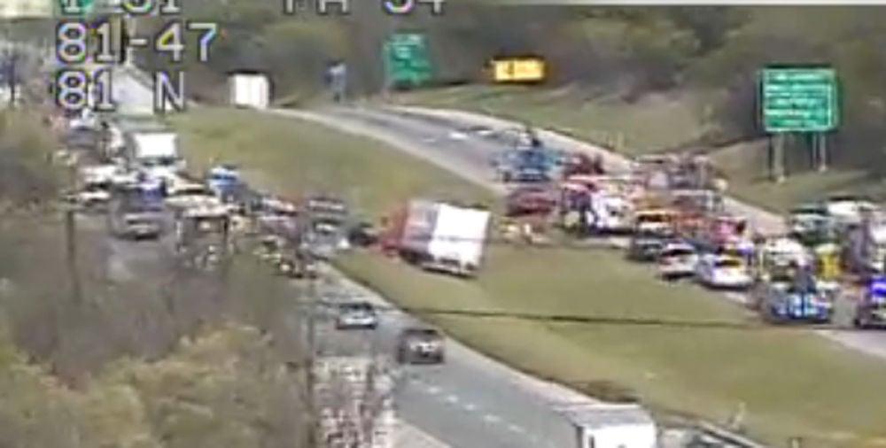 Update: Lanes reopen following crash on I-81 near Carlisle