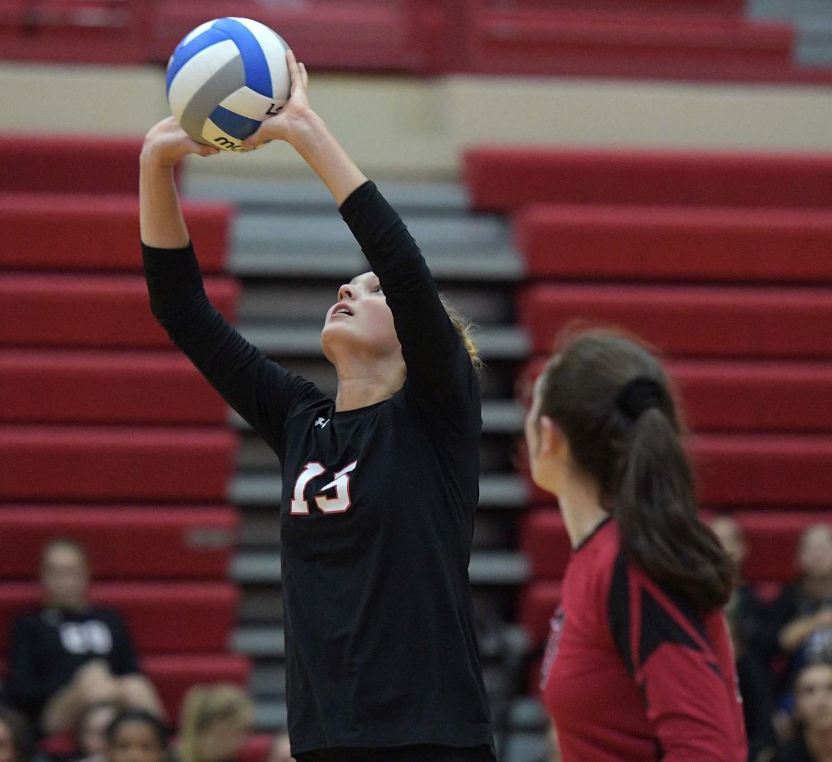Prep Volleyball: Dakota, Oregon advance to Pec sectional