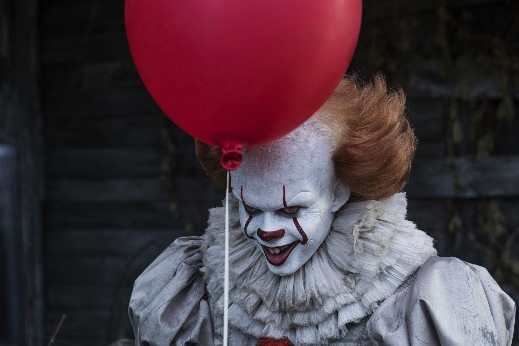Stephen King's IT: New Pennywise smiling without makeup is still terrifying