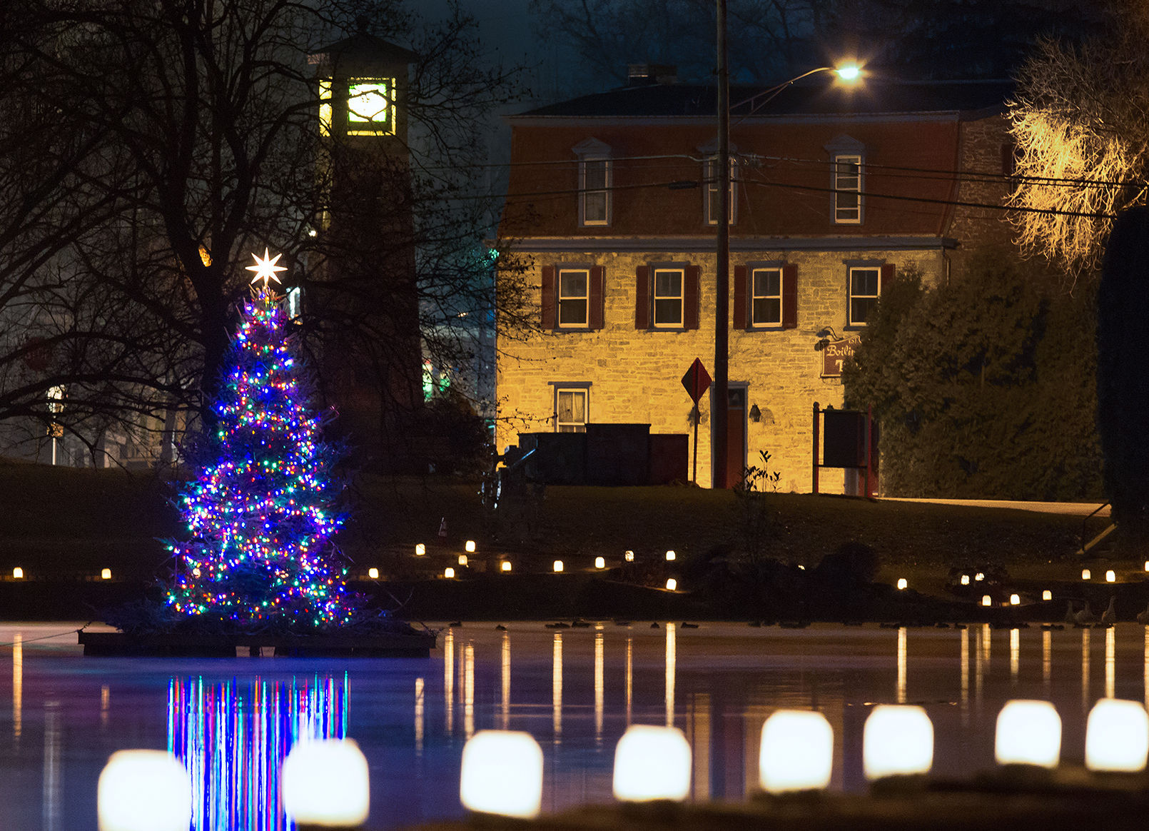 Hundreds attend annual Christmas By the Lake in Boiling Springs ...
