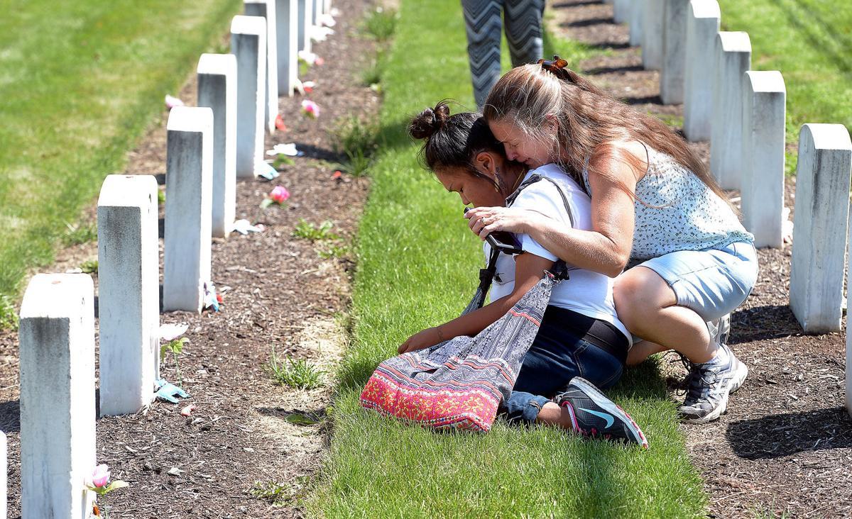 071715-sntl-nws-Indian-School-Cemetery-1.jpg