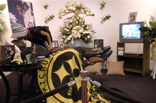 Exhibit Steelers fans do more than just cheer : steelers recliner - islam-shia.org