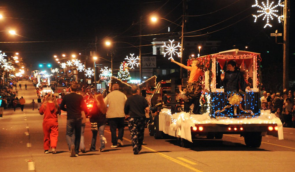 Chatsworth Christmas Parade 2020 Christmas parade in Chatsworth | Local News | dailycitizen.news
