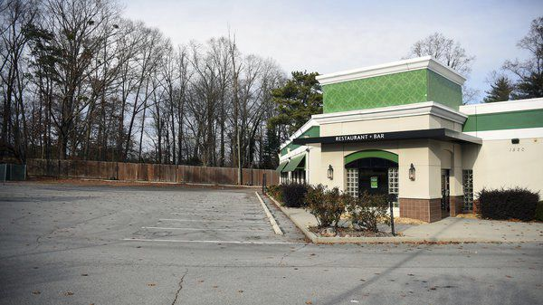 Dalton City Council members ask attorney to look at Olive Garden rezoning request