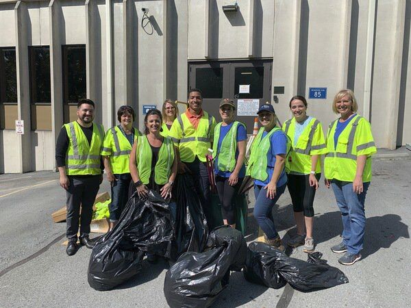Recycle & Reuse: Why picking up litter is the perfect summer volunteer opportunity