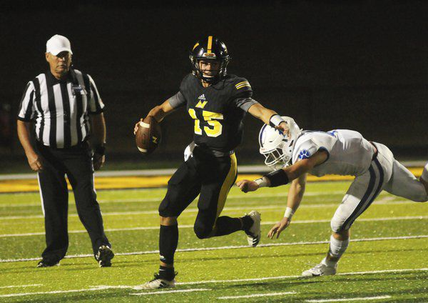 Center of attention: North Murray senior adjusting well to playing QB this season