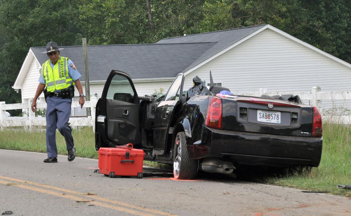 Wreck kills passenger, driver disappears   News   dailycitizen.news