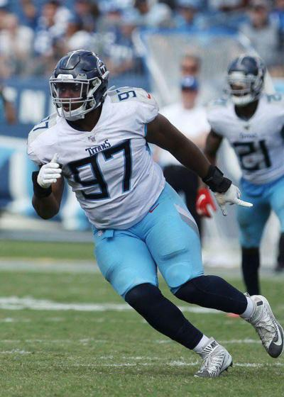 Mack prepares for uncertain second season with the Titans