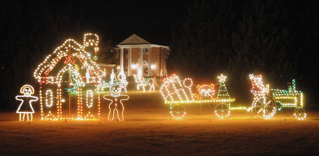 christmas lights at pye house 1 mlhjpg dailycitizennews