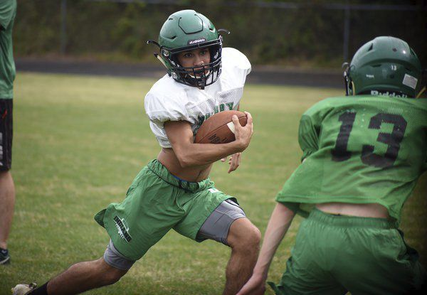 Double time: Murray County twins rounding out senior year with increased success