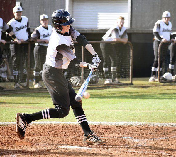 High school baseball roundup: Southeast splits two region games with