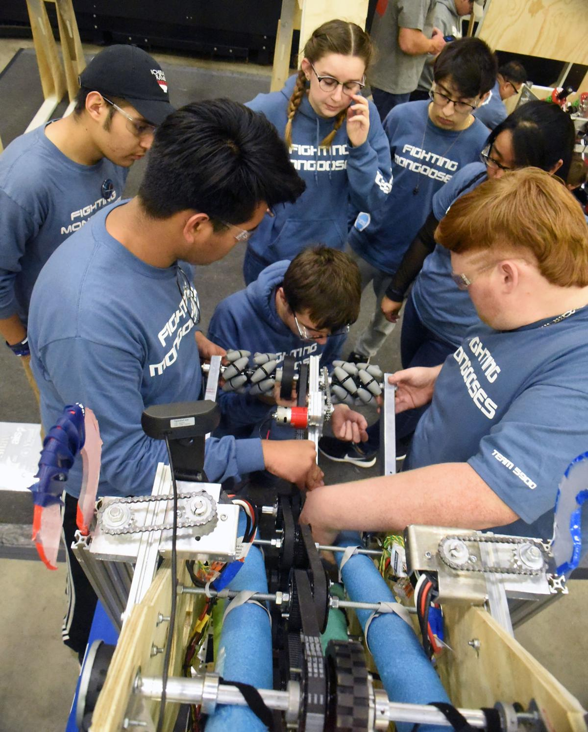 Robots competition '20 8 mlh.jpg