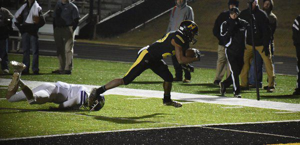 Mount-10-neers: North Murray advances to football Sweet 16 with double digits wins for the season