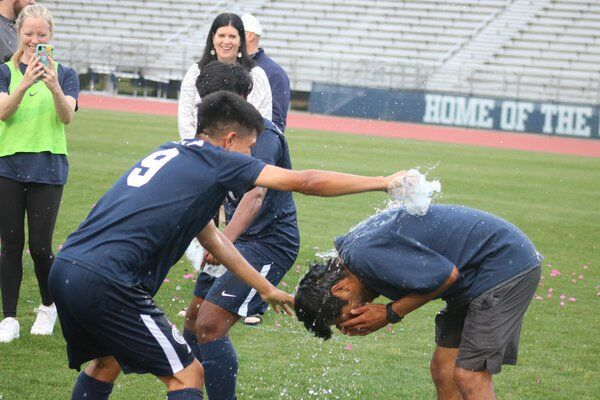 After early deficit, Creek storms ahead with 6 unanswered goals to reach state finals