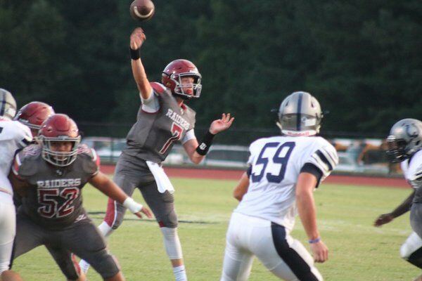 Colts stampede past Southeast behind Locklear's 278 yards, 3 TDs