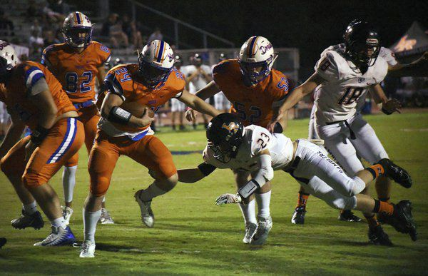 High school football roundup: Murray County blocks extra-point to win in overtime, North Murray and Northwest still undefeated in region play