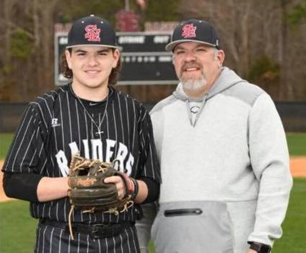 Loftons leaving: Father-son, coach-player duo exits Southeast as Bryson heads for college, Brad for retirement