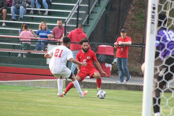 High school soccer playoffs: Dalton hangs on, Southeast dominates to advance; Northwest falls to Flowery Branch