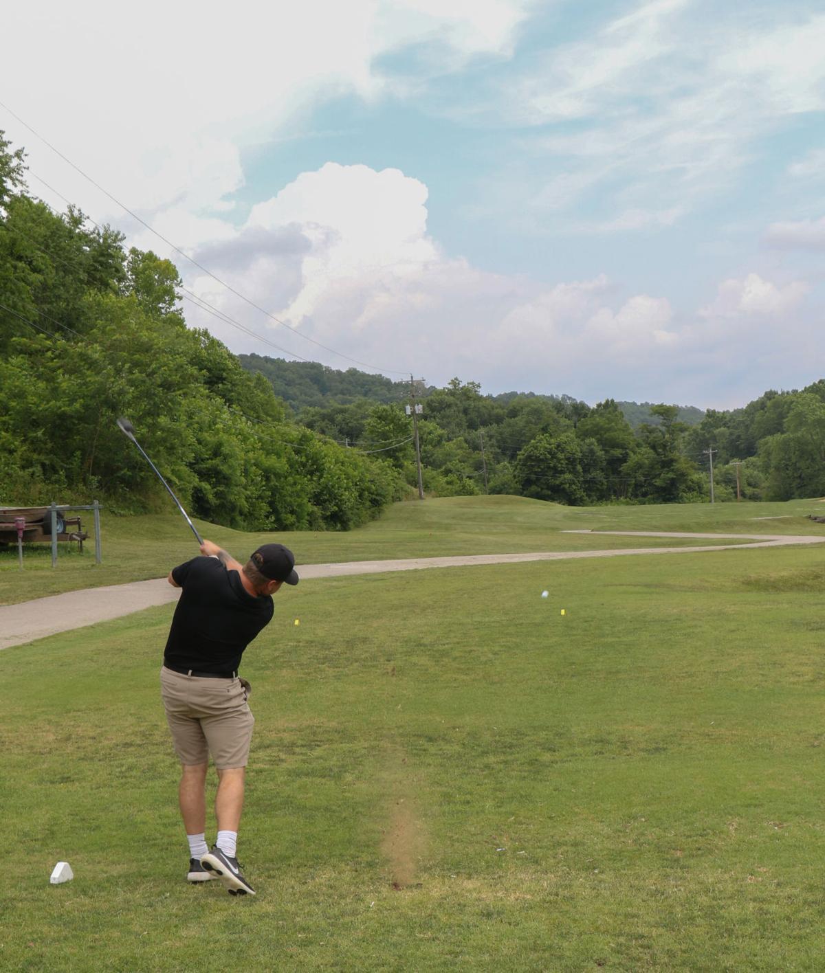 0701 golf-2.jpg