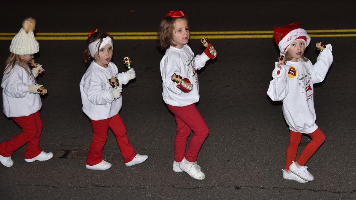 Ashland Christmas Parade 2019.Ashland Christmas Parade Gallery Dailyindependent Com