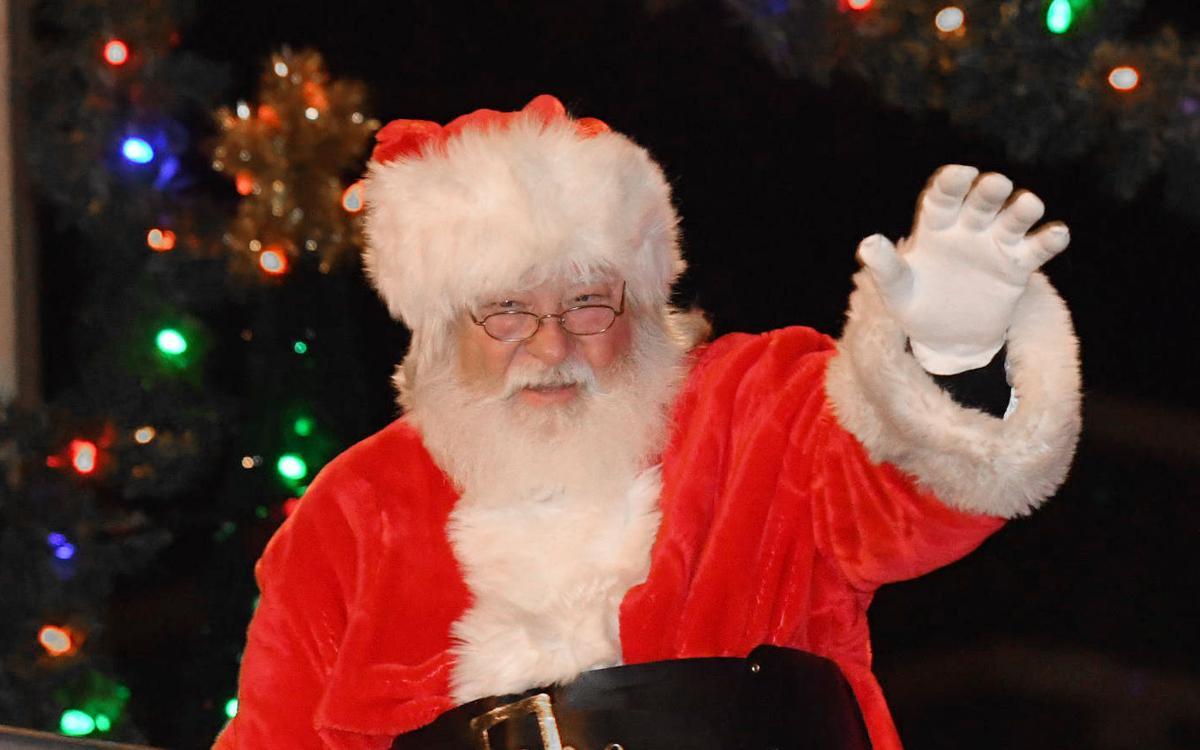 Ashland Christmas Parade 2019.Christmas Parade Brings Crowd To Downtown News