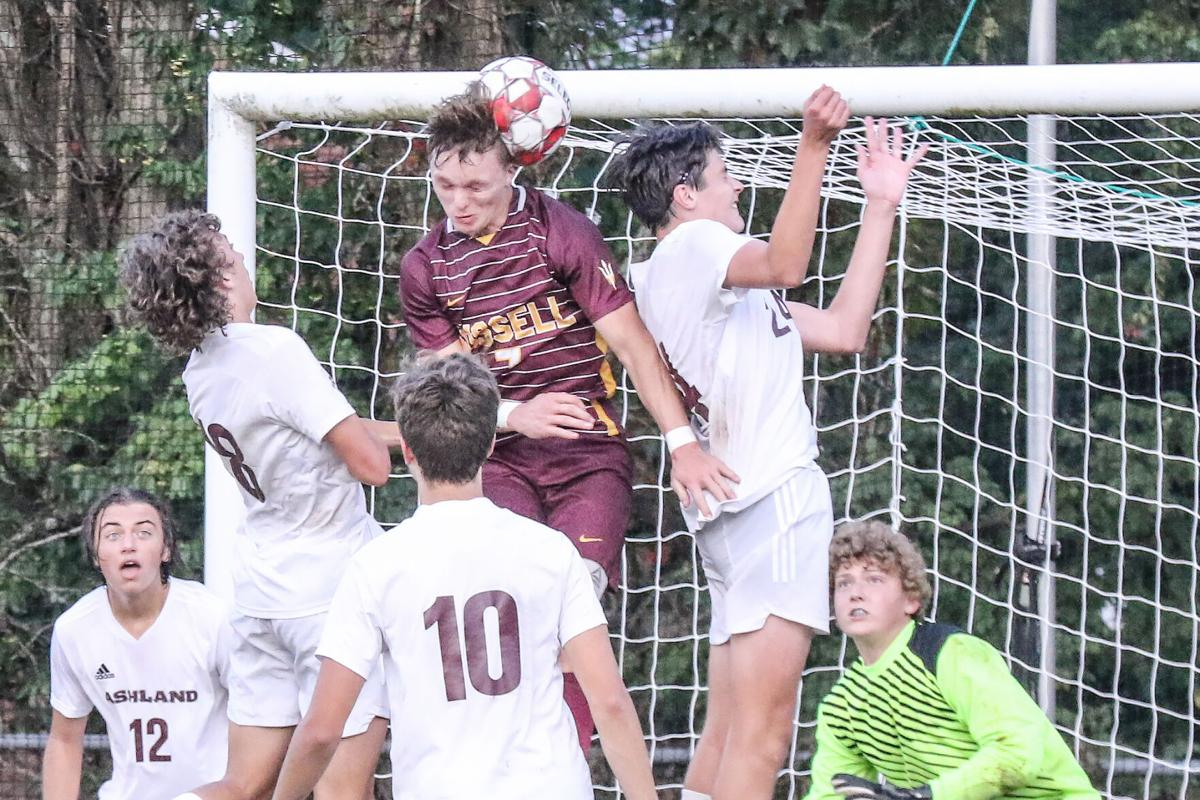 1006 63 Boys Soccer Ash Russell-8.jpg