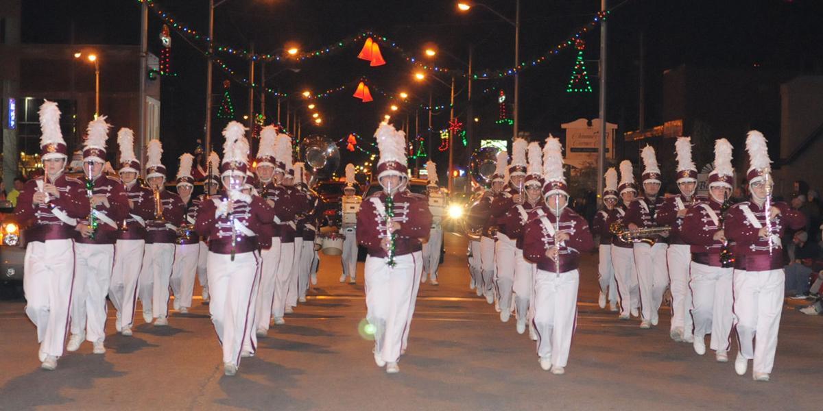 Ashland Christmas Parade 2019.Christmas Movies Theme For Wwol Parade With Parade Lineup
