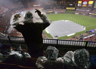 Game 4 of World Series postponed by rain