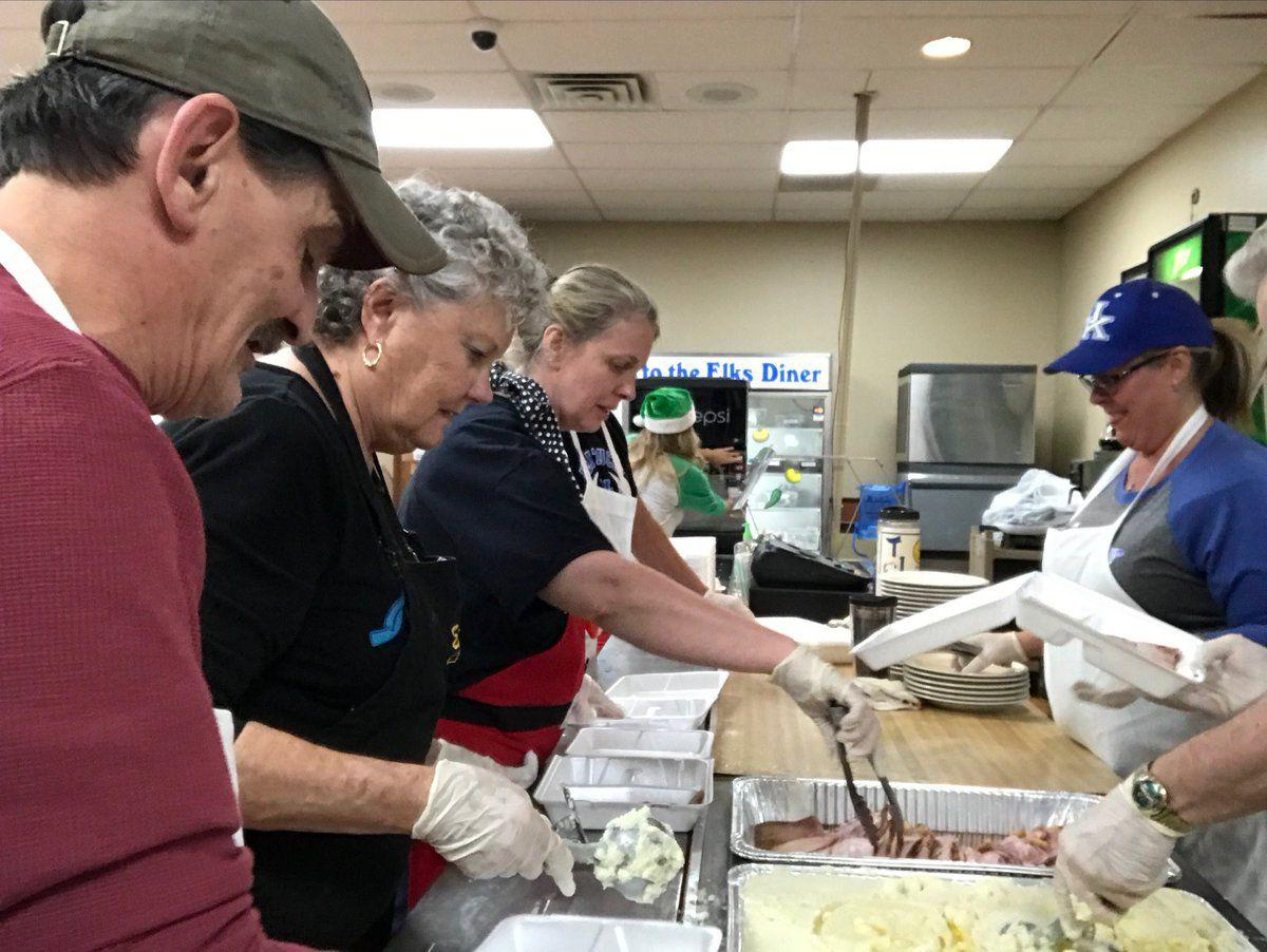 Volunteering In Ashland Oregon Christmas Day 2020 There's a need for this' — Ashland Elks continue Christmas Dinner