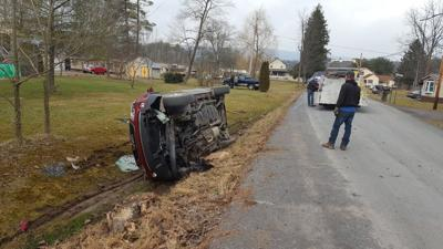 Motorist hurt in rollover crash in Union County
