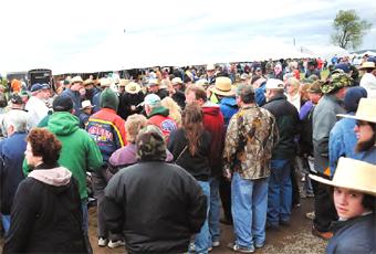 Amish sale draws 6,000   News   dailyitem com