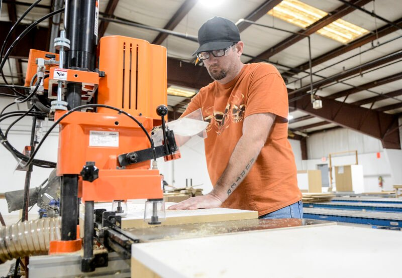 Freeburg cabinetry business sees success amid pandemic, hiring more workers