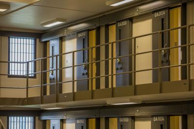 Pa. corrections dept. tells officer with COVID-19 symptoms ...