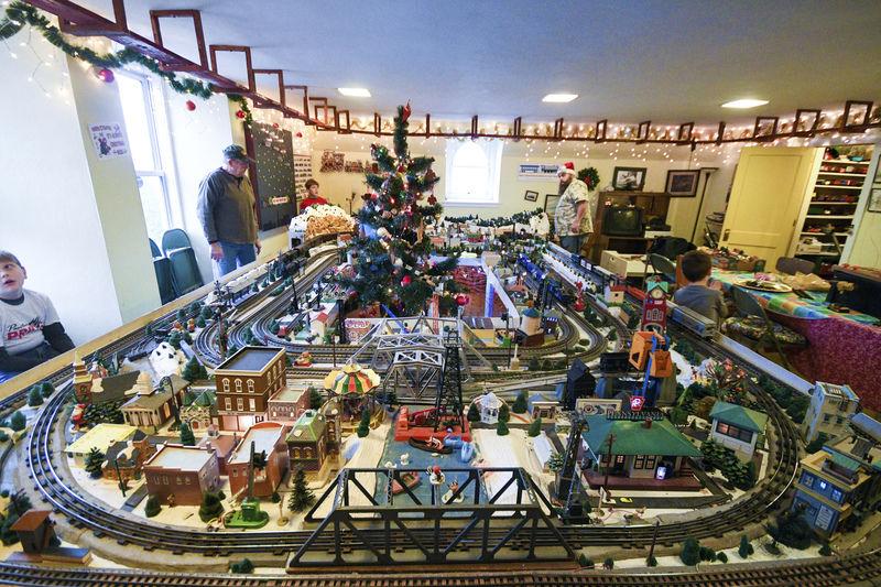 Danville club unveils new model train track