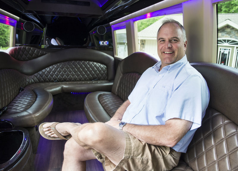 Virus puts brakes on limousine services