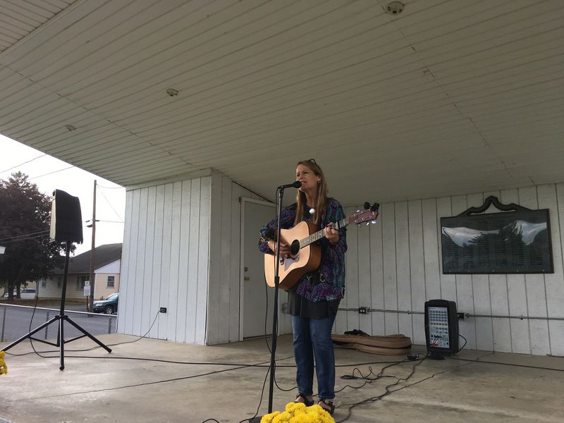 Churches provide help to community with free picnic