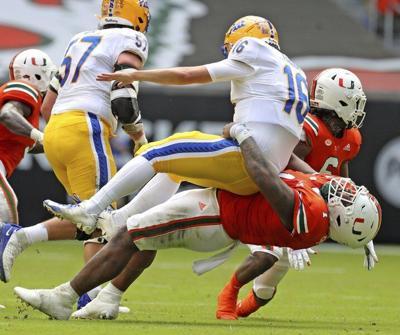 Sluggish offense costs Pitt in loss