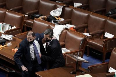 Federal lawmakers safe; condemn violence