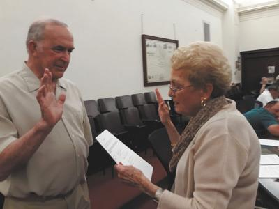 Council mourns loss of vice president, appoints new councilman