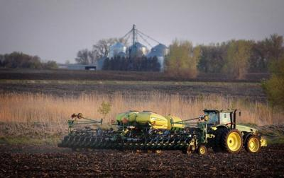 'Right-to-repair' fight extends from iPhones to tractors