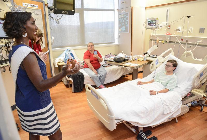 Miss Pennsylvania visits Janet Weis Children's Hospital