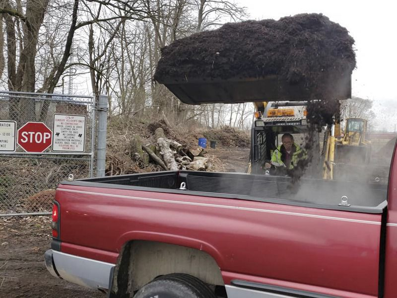 Department gives away free mulch to residents