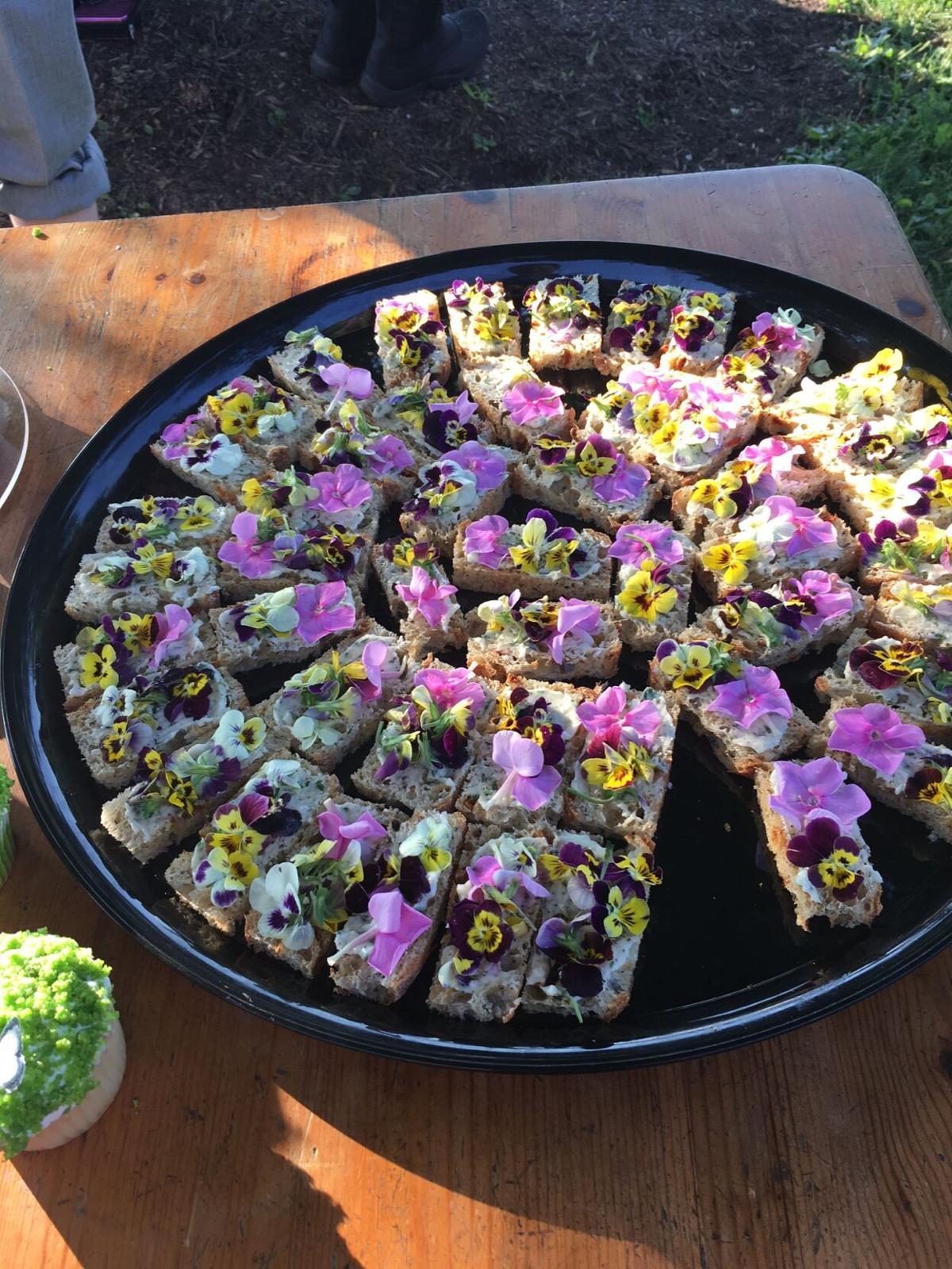 flower sandwich.JPG