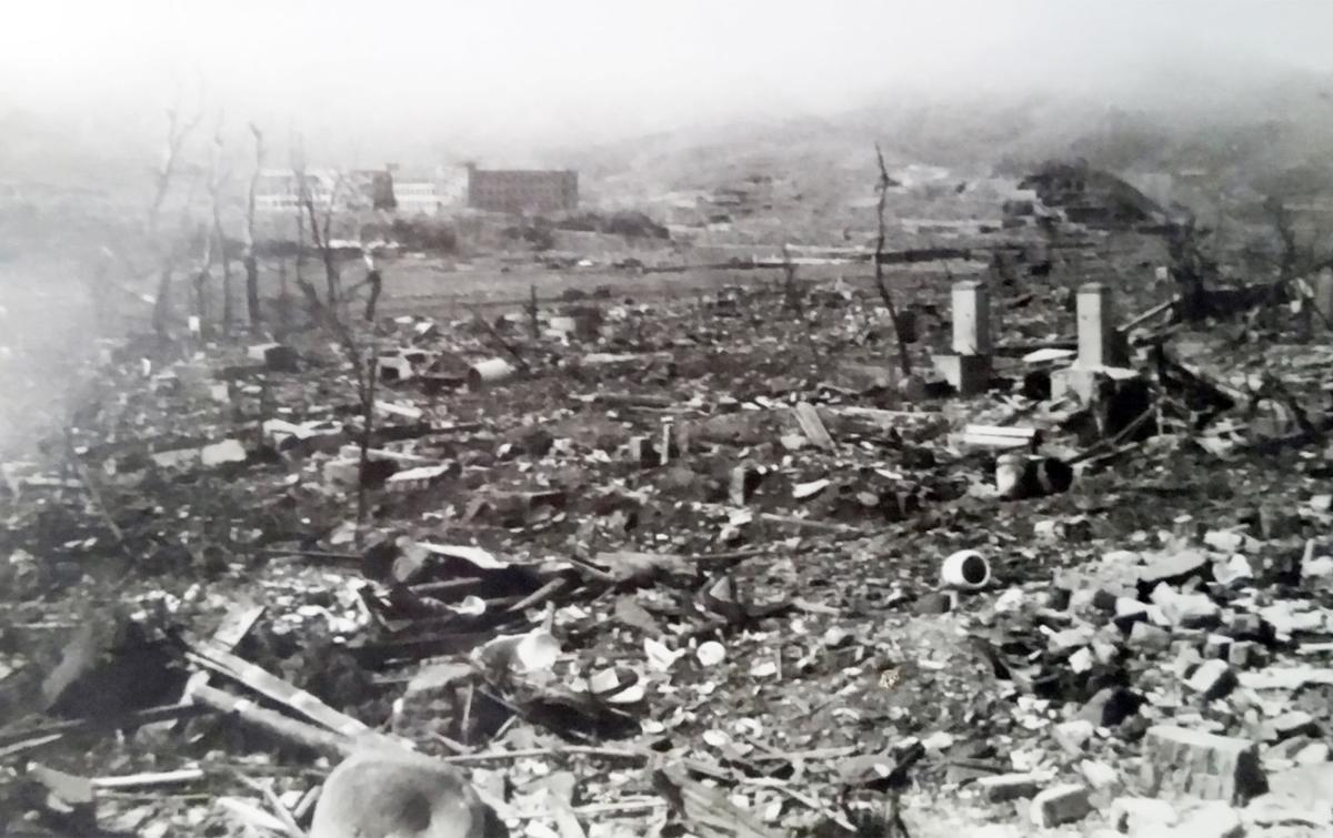 dropping atomic bombs japan right wrong The usa made a substantial contribution to ending ww2 by dropping the a-bomb on  chinese and americans called on japan to surrender  dropping the atomic bomb.