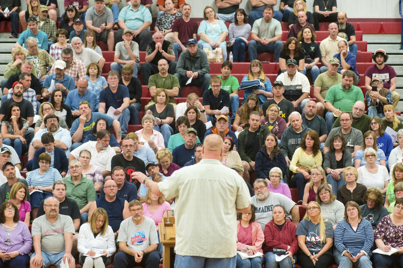 Ex-Wood-Mode employees pack Shikellamy gym for free legal advice