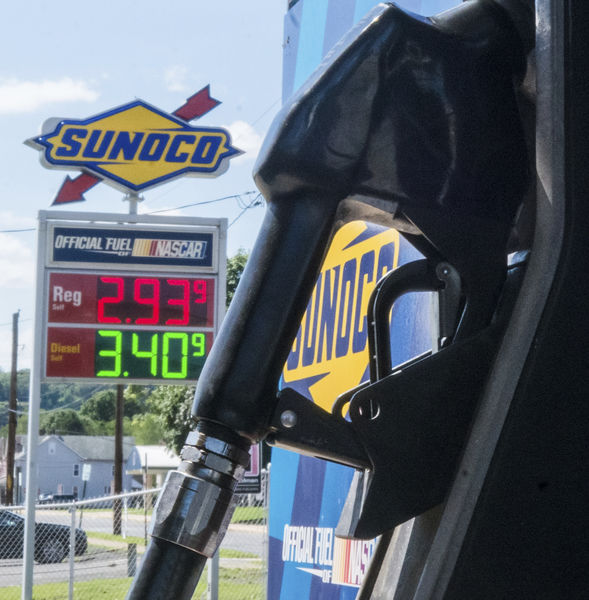 Gas prices down statewide but Valley lagging