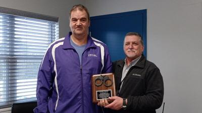 Jail employee retires after more than two decades