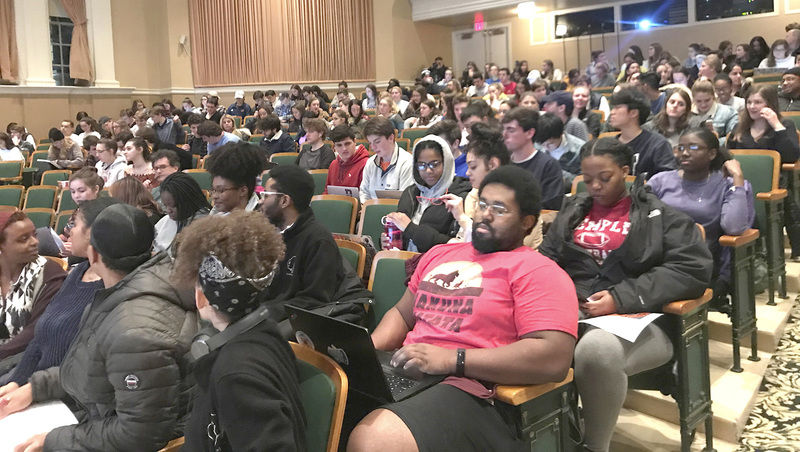 Speaker discusses racial injustice, economic reform during Bucknell lecture